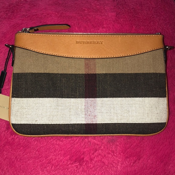 0eabd4205f0 Burberry Bags   Saleauthentic Crossbody Bag   Poshmark
